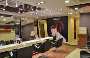 Strands Salon 'n' Spa (Unisex)