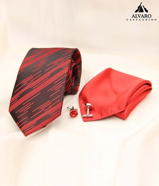 Alvaro Red   Black Diagonal Stripes Necktie, Cufflinks   Handkerchief Gift Set