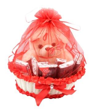Runz Assorted White Chocolate Exotic Gift Hamper