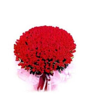 200 Red Roses Basket