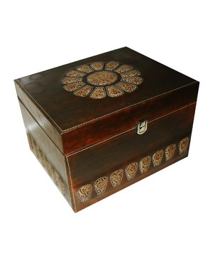 Welpro Leather Box With Flower Cut - Large