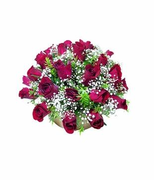 Round arrangement of Red Roses